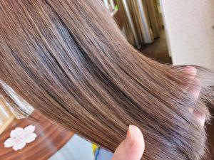 ウネウネくせ毛の解消法【縮毛矯正】