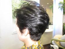 どこに行っても。変な髪型になる(-.-)