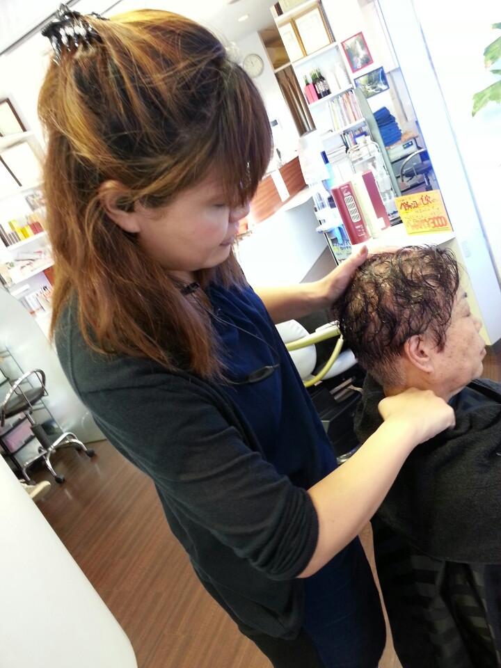 薄毛、抜け毛にはヘッドスパで頭皮けあ