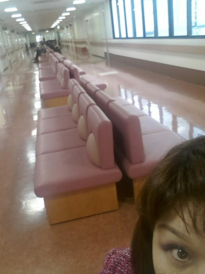 今日は朝一病院です。
