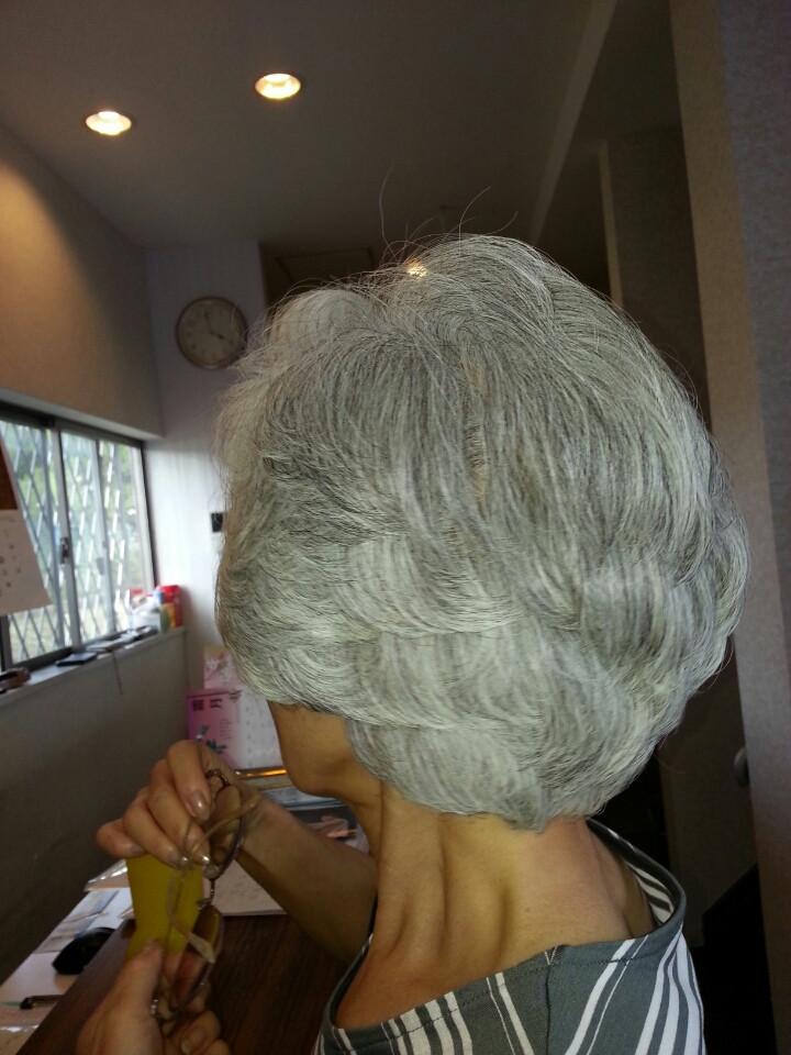 白髪、パーマヘア