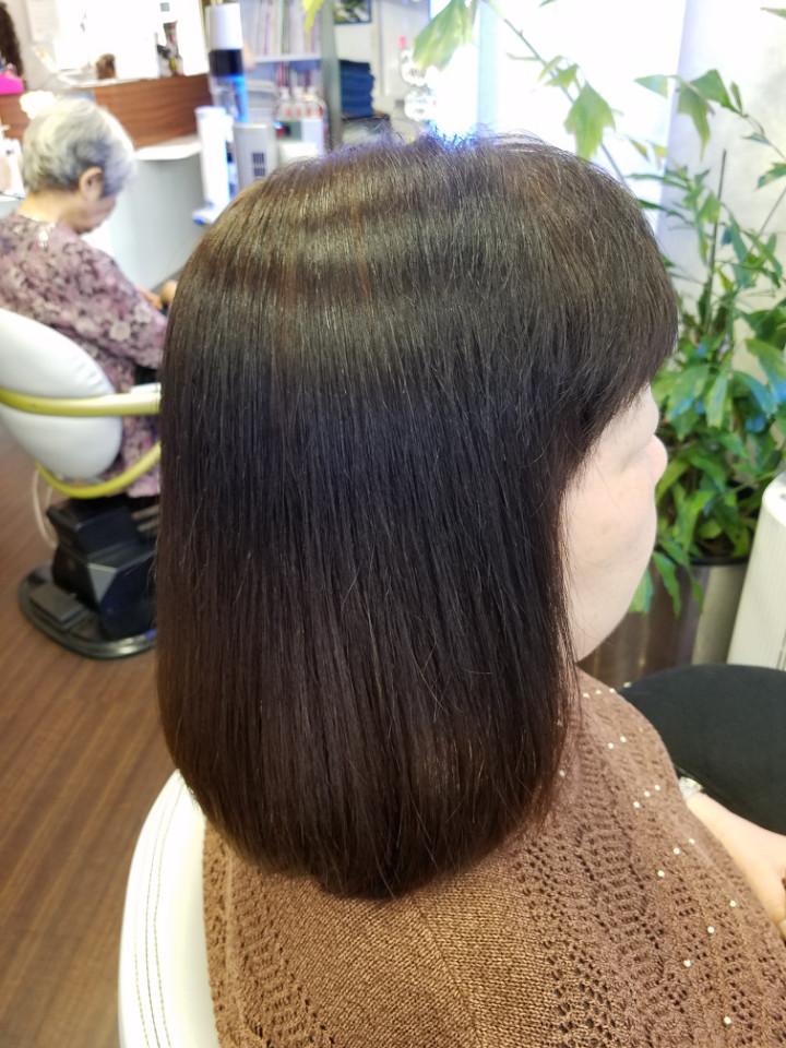 60代、白髪染め毛 大人女性の縮毛矯正