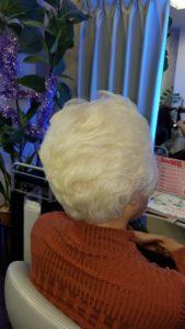白髪染めをやめても綺麗